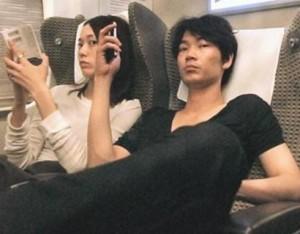 綾野剛&戸田恵梨香