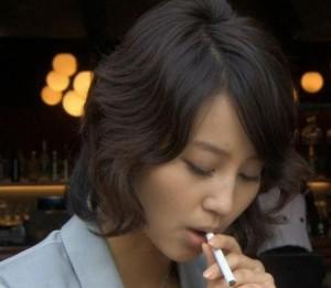 堀北真希タバコ喫煙③